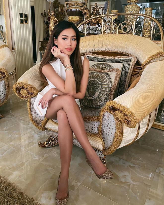 Tiên Nguyễn ở nhà lồng lộn khoe background toát mùi tiền-5