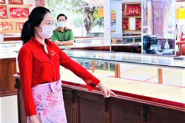 Nữ nhân viên trộm hơn 2.300 nhẫn vàng lên đến gần 10 tỷ-2