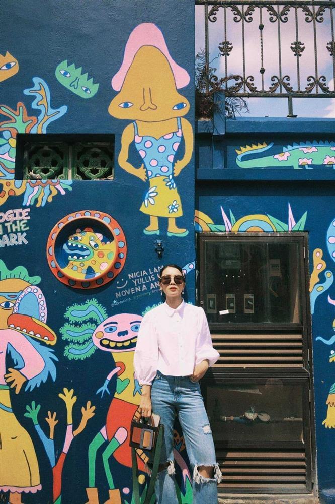 Yến Trang có bộ sưu tập áo sơ mi trắng mix&match cực kỳ đẳng cấp-1