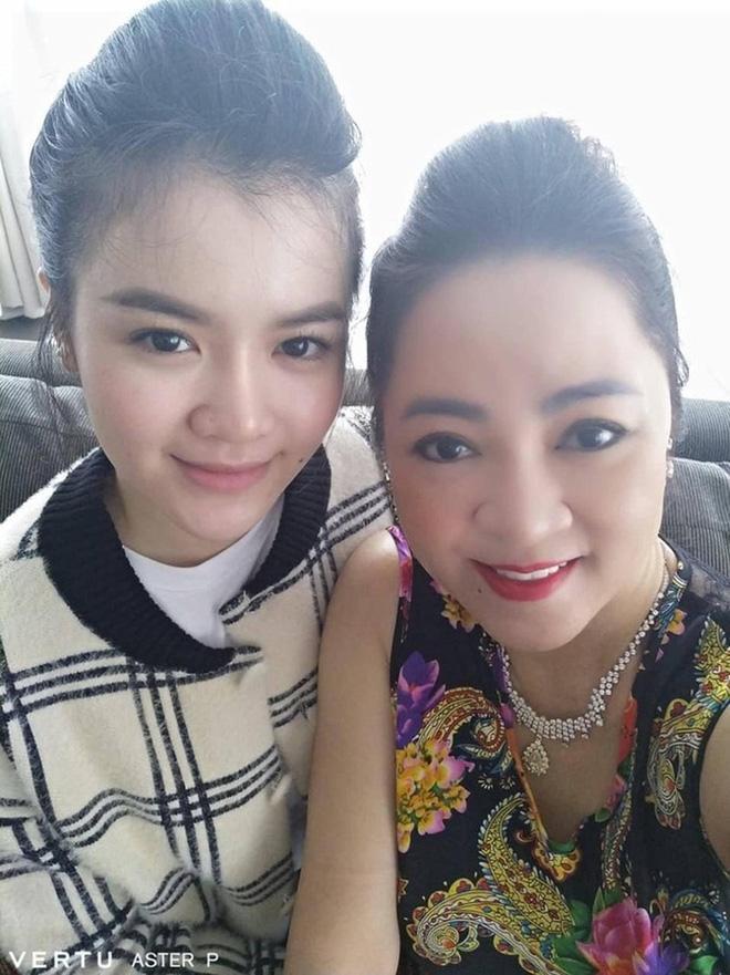 Soi nhan sắc nàng dâu cả sau 4 tháng làm dâu bà Phương Hằng-11