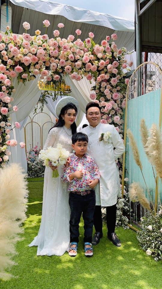 Soi nhan sắc nàng dâu cả sau 4 tháng làm dâu bà Phương Hằng-5