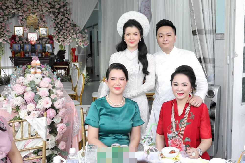 Soi nhan sắc nàng dâu cả sau 4 tháng làm dâu bà Phương Hằng-6