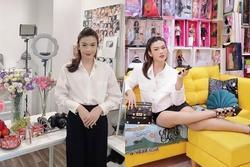 Giỗ Tổ Nghề, Đào Bá Lộc diện cả váy tạo dáng chuẩn Hoa hậu