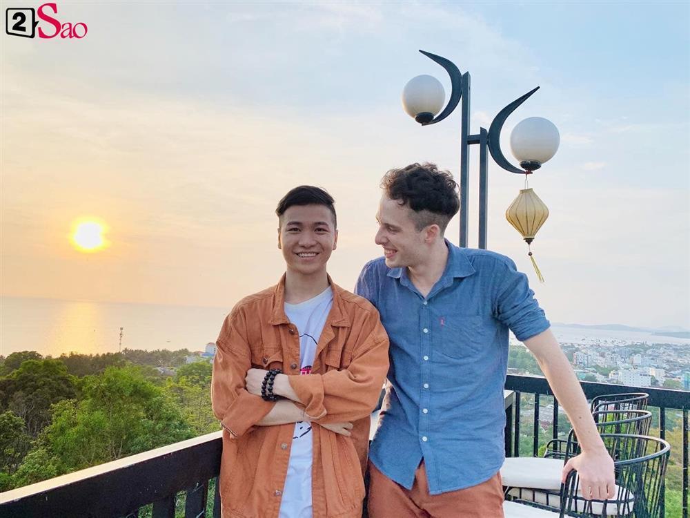 Chuyện tình xuyên biên giới ngọt lịm của thầy giáo Việt và trai Tây-2