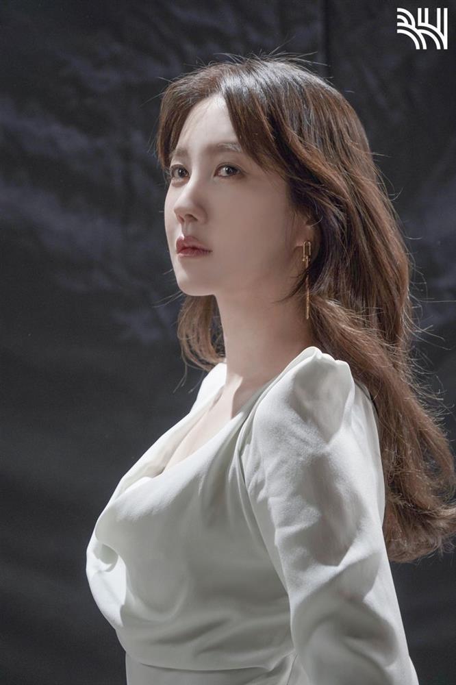 Bà cả Shim Lee Ji Ah vẫn chưa thể tin Penthouse đã kết thúc-2