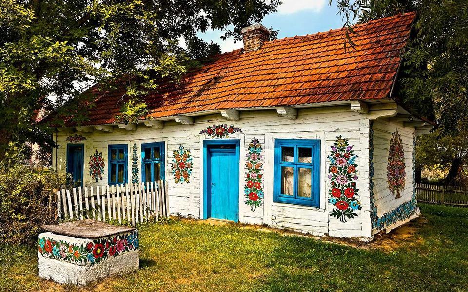 Ngôi làng cổ tích ngập tràn sắc hoa ở Ba Lan-1
