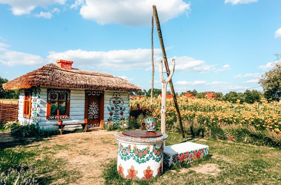 Ngôi làng cổ tích ngập tràn sắc hoa ở Ba Lan-3