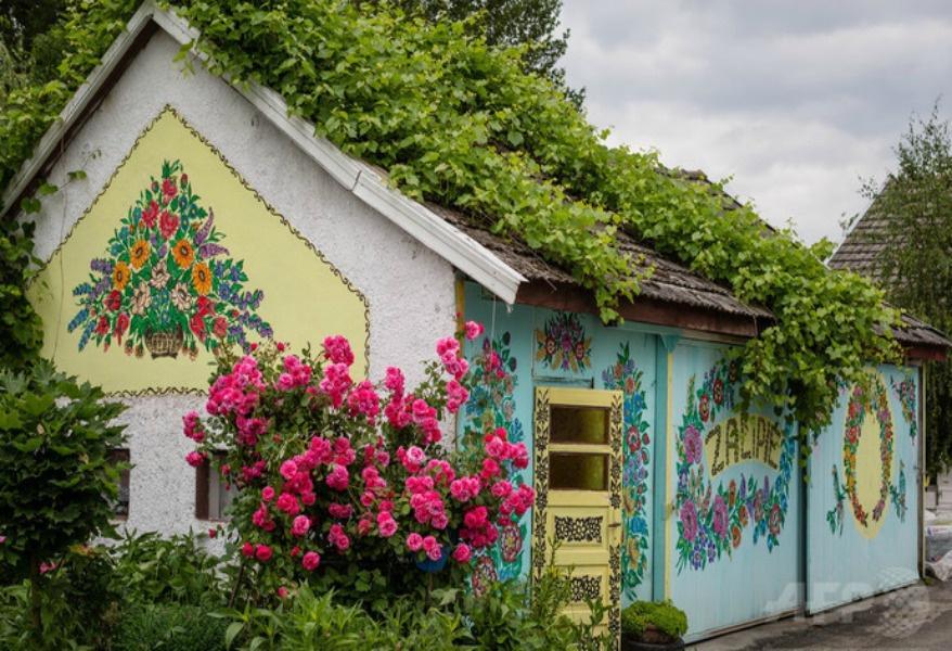 Ngôi làng cổ tích ngập tràn sắc hoa ở Ba Lan-5