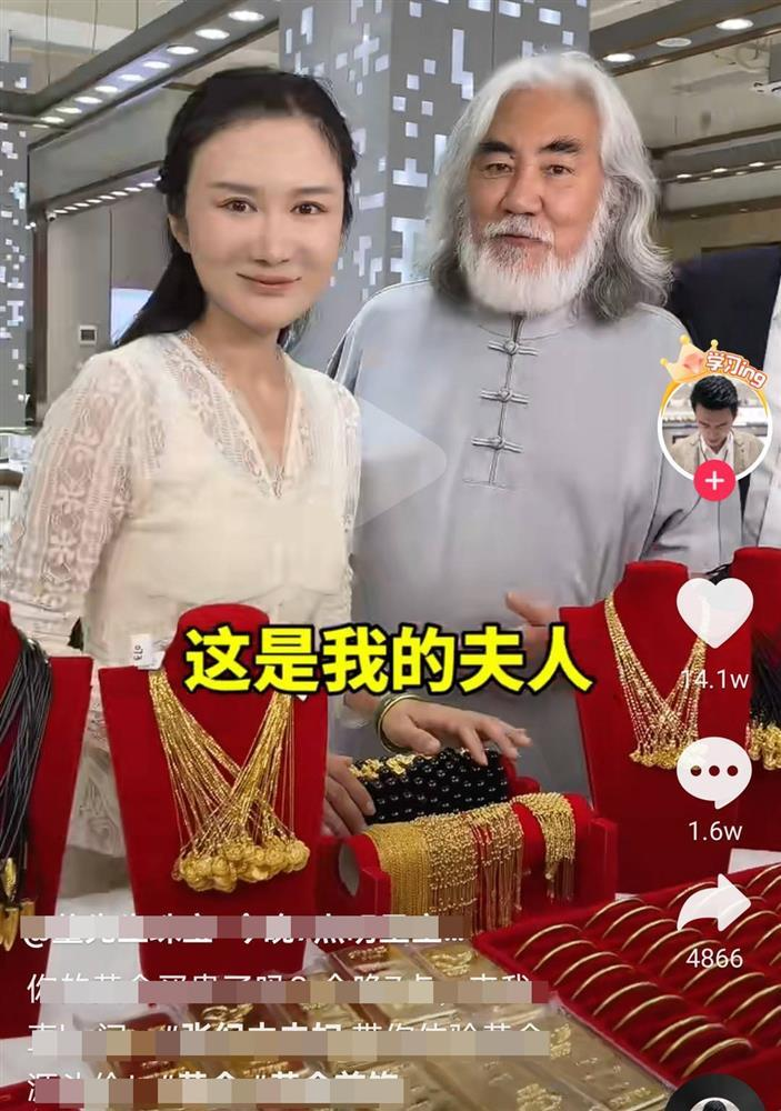 Ông trùm phim Kim Dung: Hết thời đi livestream bán vàng, 70 tuổi lấy vợ đáng tuổi con-8