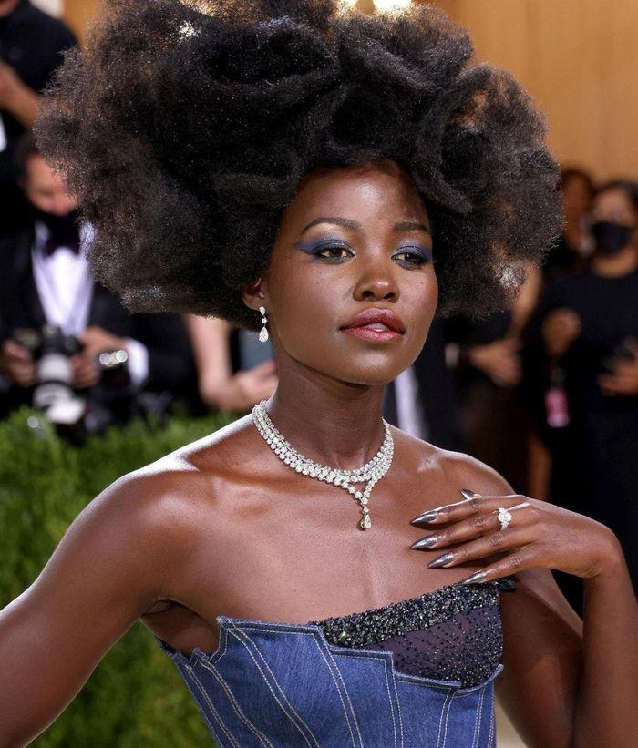 Những món nữ trang đắt giá nhất sự kiện thời trang Met Gala 2021-9