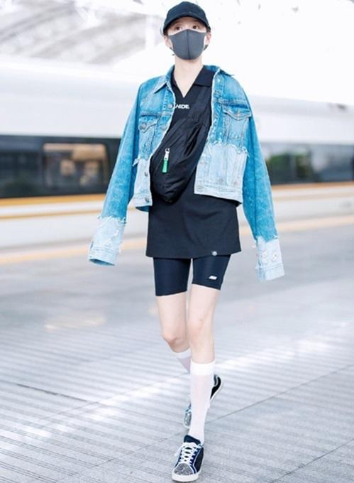 Body hoa hậu nhưng Quan Hiểu Đồng ăn mặc không thể mê-9