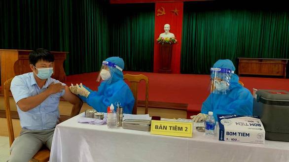 Cô giáo Quảng Bình tiêm liền lúc 2 mũi vaccine hiện thế nào?-2