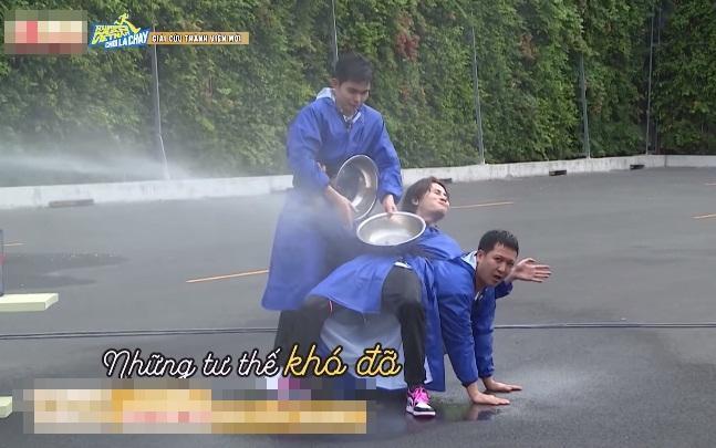 Thúy Ngân rớt mi giả ở Running Man, fan hiến kế chữa cháy-3