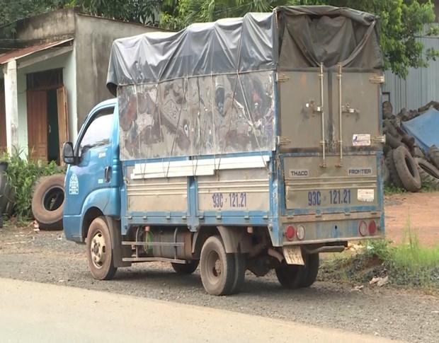 Bình Phước: Bắt xe tải chở 7 người trong thùng trốn chốt kiểm dịch-1