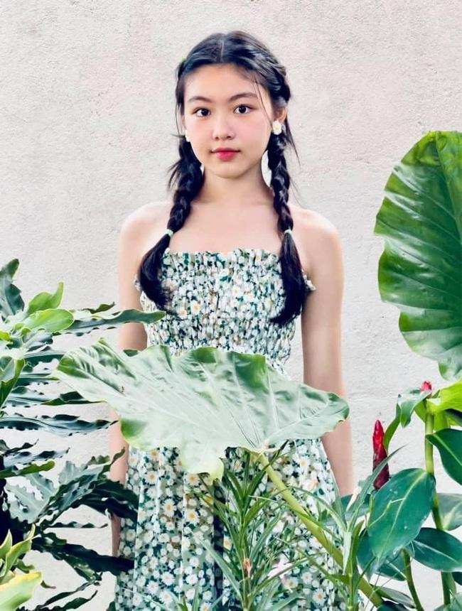 Nhan sắc đẹp như hoa hậu của con gái MC Quyền Linh ở tuổi 16-1
