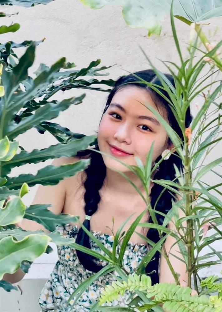 Nhan sắc đẹp như hoa hậu của con gái MC Quyền Linh ở tuổi 16-2