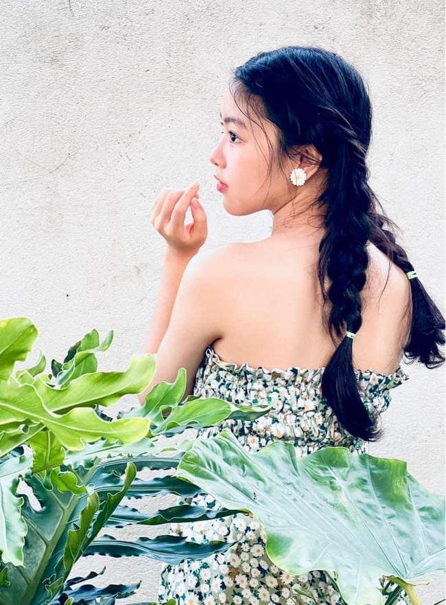 Nhan sắc đẹp như hoa hậu của con gái MC Quyền Linh ở tuổi 16-3