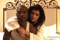 Sau 13 năm, Kim Kardashian lộ phần 2 clip 18+ từng oanh tạc thế giới?