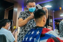Từ 6h ngày 21/9, Hà Nội mở lại nhiều dịch vụ cắt tóc, gội đầu....