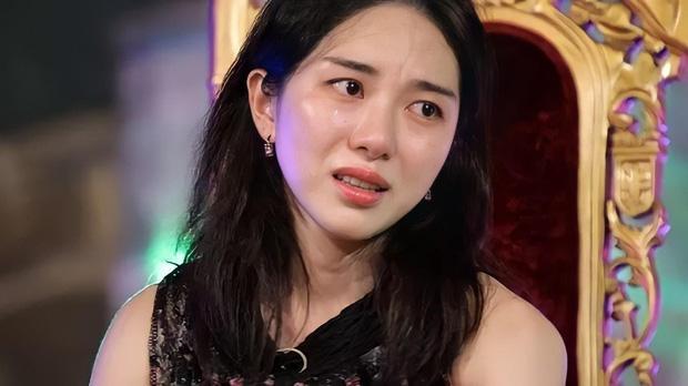 Mina và Hwayoung: Trà xanh - rắn độc hủy hoại tương lai nhóm-11