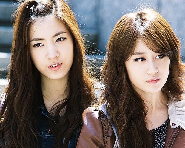 Mina và Hwayoung: Trà xanh - rắn độc hủy hoại tương lai nhóm-13