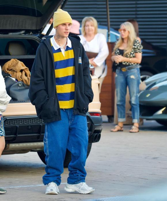 Justin Bieber vẫn mê quần tụt quá lố lộ cả nội y-2