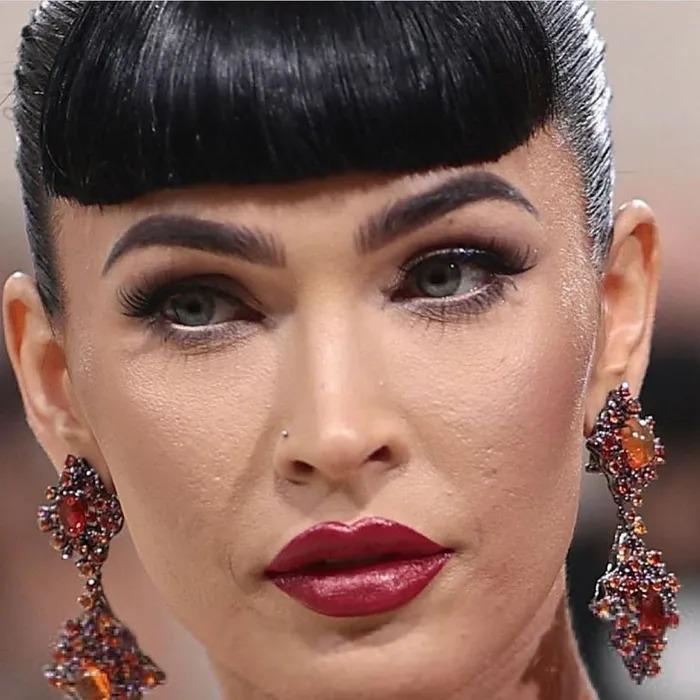 Sao Hollywood lộ da sần sùi khi makeup dày, Kendall Jenner gây bất ngờ-1