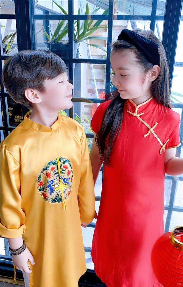 Cặp nhóc tỳ nhà Elly Trần lớn phổng phao, đẹp miễn chê-2