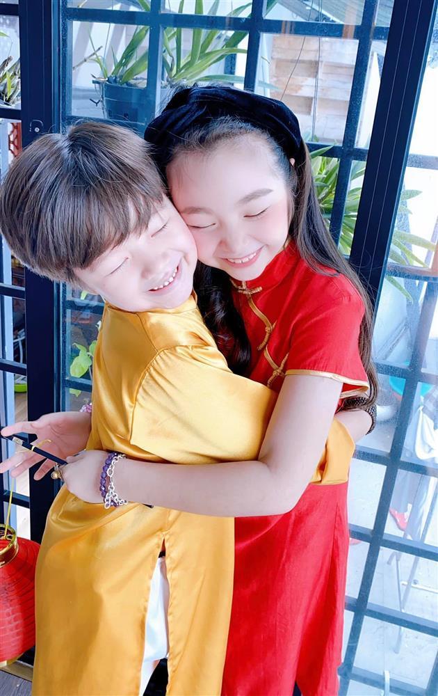Cặp nhóc tỳ nhà Elly Trần lớn phổng phao, đẹp miễn chê-3