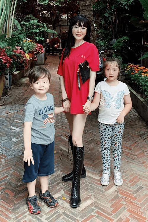 Cặp nhóc tỳ nhà Elly Trần lớn phổng phao, đẹp miễn chê-5