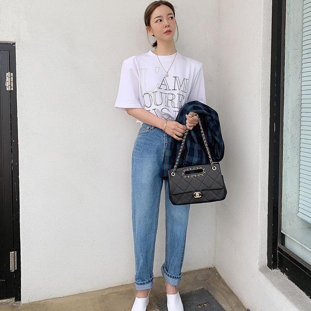 Công thức mix đồ với quần jeans giúp chị em tôn dáng-1