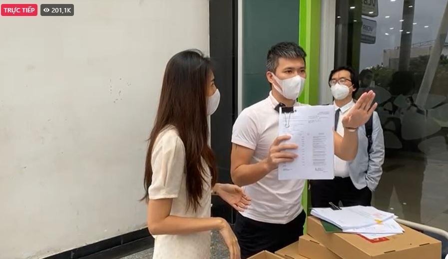 CEO bóc tạm khóa báo có, Thủy Tiên làm rõ ngọn nguồn-1