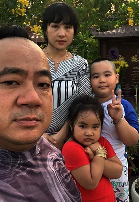 Hôn nhân của Hiếu Hiền và vợ kém 9 tuổi