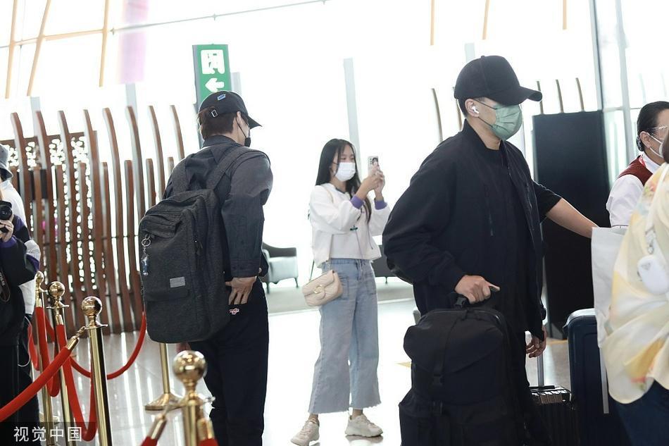 Chồng cũ, tình địch, tình cũ của Dương Mịch chung sân khấu-4