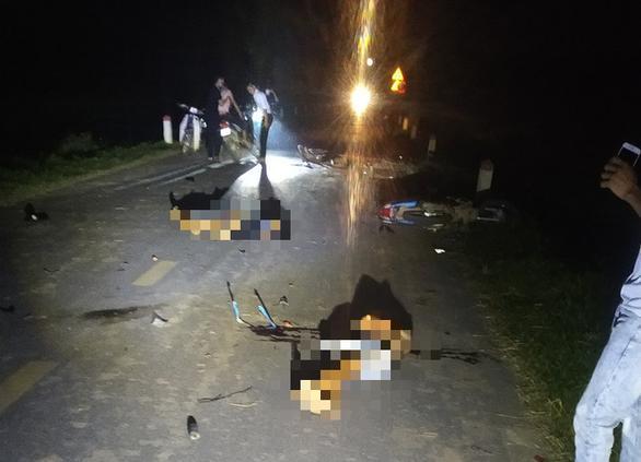 Đêm Trung thu: Nhiều xe máy lao vào nhau, 5 người tử vong-2