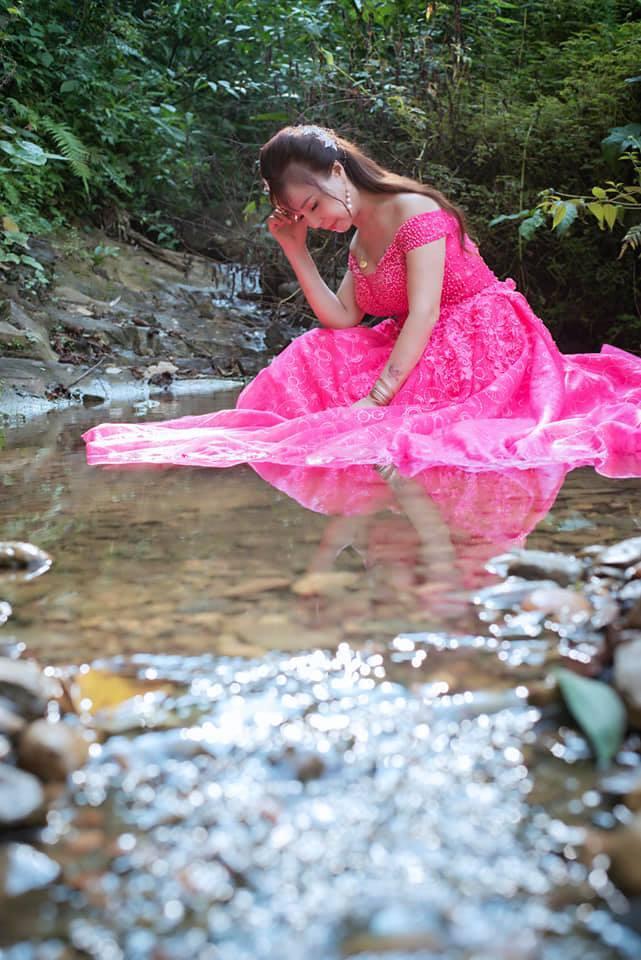 Đầu tư chụp hình 3 năm ngày cưới, cô dâu 64 tuổi bị mắng sốc óc-2