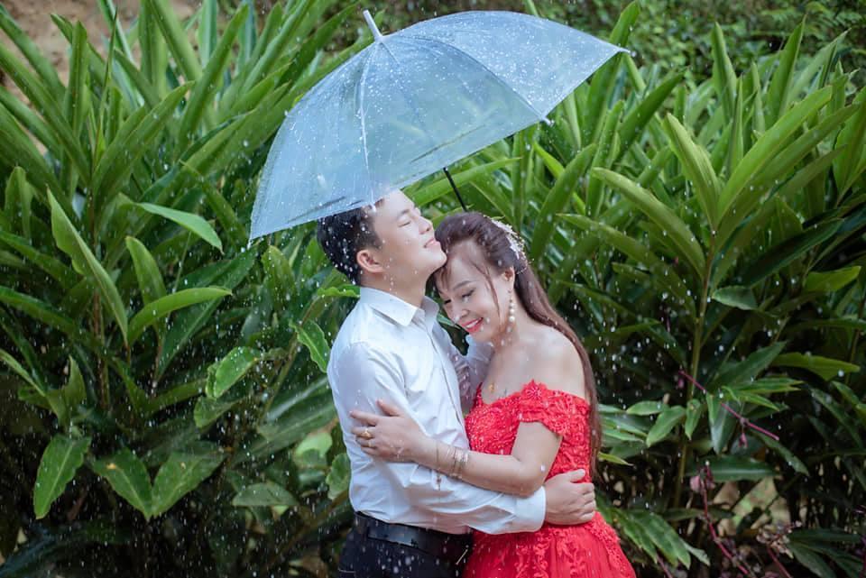 Đầu tư chụp hình 3 năm ngày cưới, cô dâu 64 tuổi bị mắng sốc óc-4