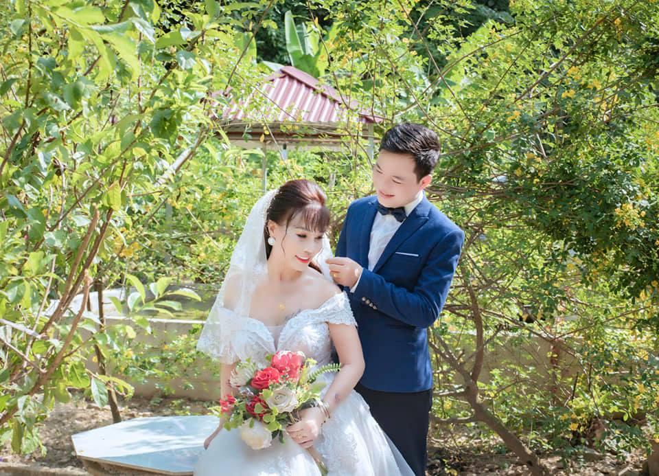 Đầu tư chụp hình 3 năm ngày cưới, cô dâu 64 tuổi bị mắng sốc óc-6