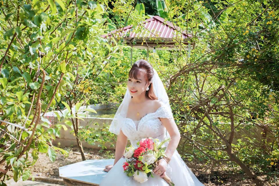 Đầu tư chụp hình 3 năm ngày cưới, cô dâu 64 tuổi bị mắng sốc óc-3