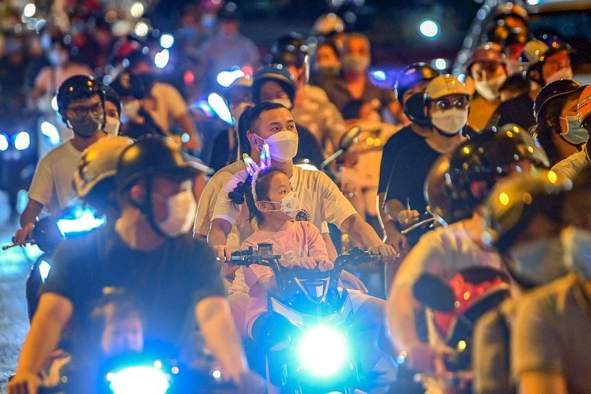 Chuyên gia: Nỗ lực Hà Nội chống dịch có thể đổ bể sau đêm Trung thu-2