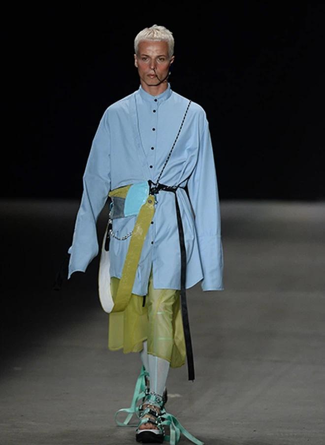 SỐC: Người mẫu đột tử khi đang catwalk trong show thời trang-2