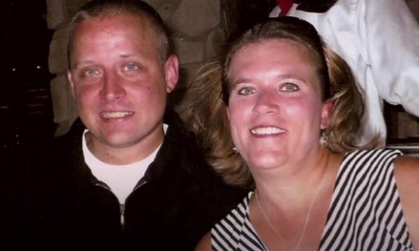 Không biết mình mang thai, cô dâu 40 tuổi đau đẻ khi vào lễ đường-2