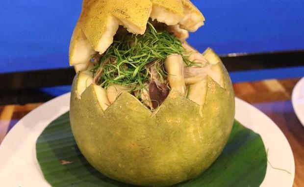 Bắt cả con gà chui tọt vào quả bưởi, thành đặc sản nổi tiếng Đồng Nai-3
