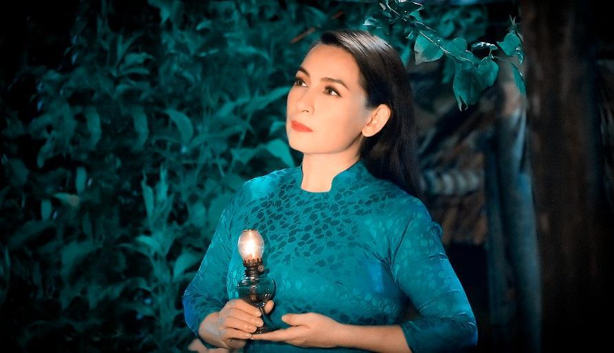 Vợ cũ Bằng Kiều giữa đêm viết: Phi Nhung cố lên, con cần em-2