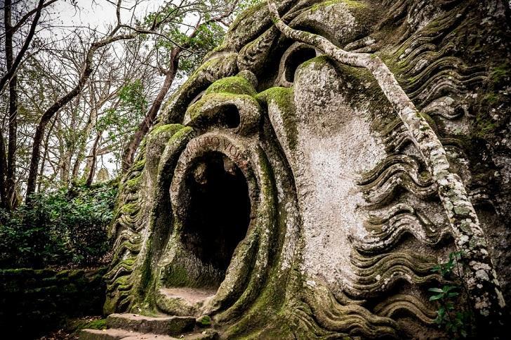Công viên quái vật huyền bí bị lãng quên suốt 400 năm-1