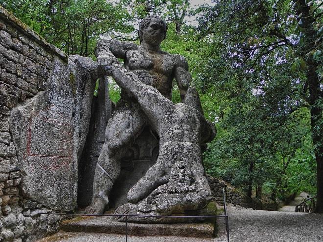 Công viên quái vật huyền bí bị lãng quên suốt 400 năm-3