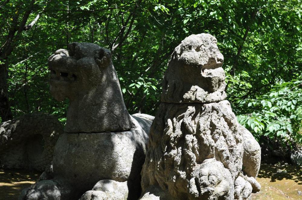 Công viên quái vật huyền bí bị lãng quên suốt 400 năm-4