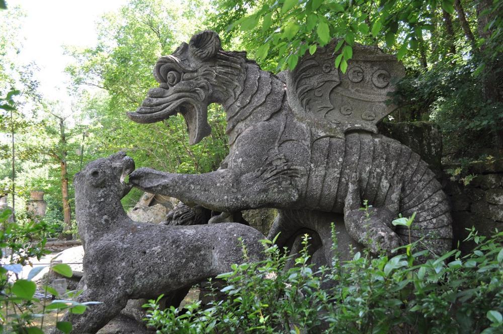 Công viên quái vật huyền bí bị lãng quên suốt 400 năm-6