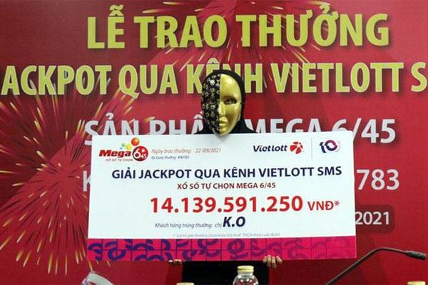 Từ TP.HCM về quê tránh dịch, người phụ nữ trúng Jackpot hơn 14 tỉ đồng-1