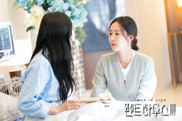 Penthouse: Eunbyul muốn giật bồ, còn Choi Ye Bin lại đẩy thuyền!-4